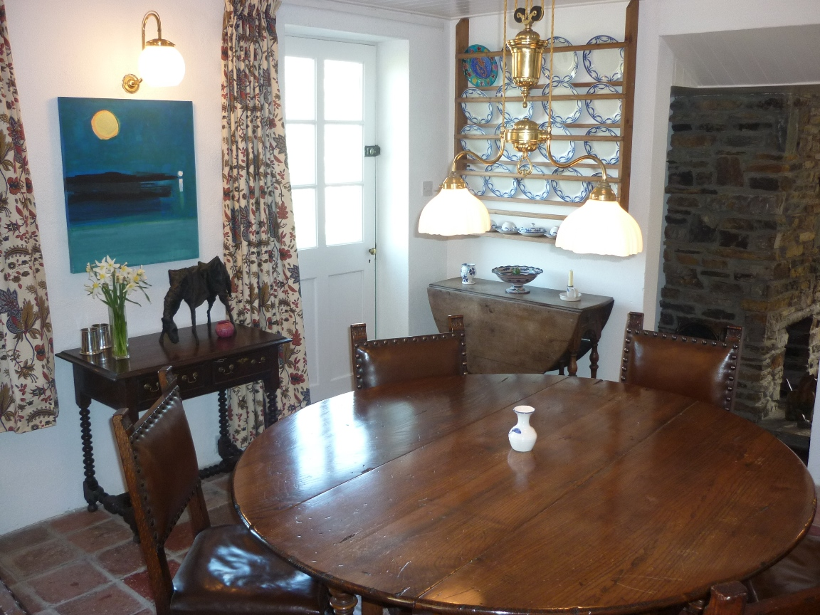 Baltimore 4 bedroom holiday cottage with sea views for Best private dining rooms in baltimore